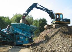 Aufbereiten und sieben von belasteten Böden mit fachgerechter Entsorgung