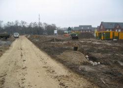 Baustraße im Bereich 2. Bauabschnitt nach Herstellung der Ver- und Entsorgungsleitungen